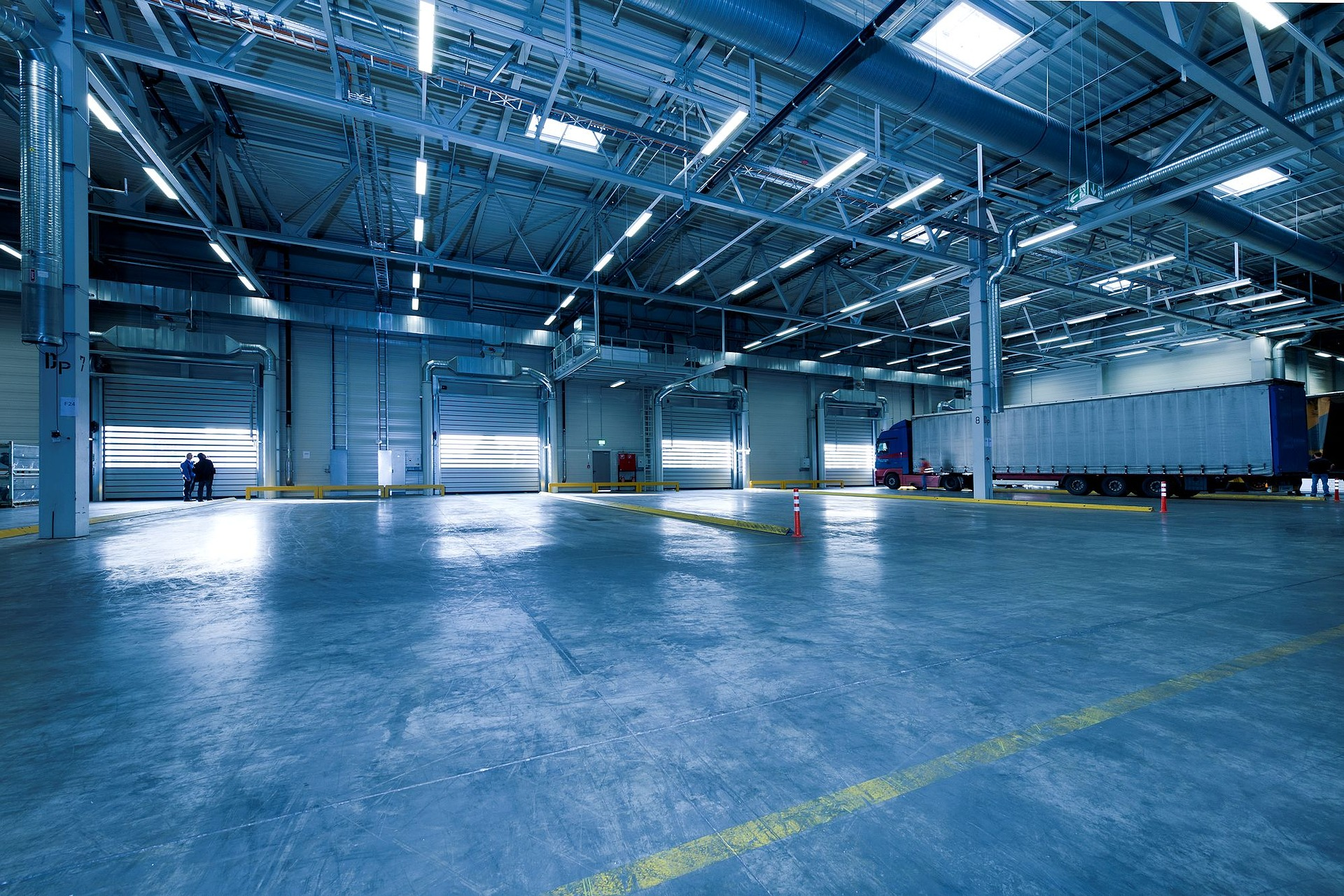 Choose Docks and Doors that Fit Your Warehouse Needs